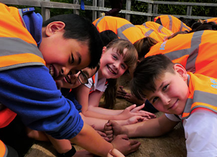 Luton primary school celebrates international  biodiversity day with local water company